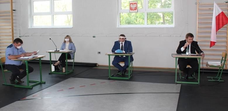 W dniu 27 maja 2020 r. odbyła się XXI Nadzwyczajna Sesja Rady Gminy Kolno